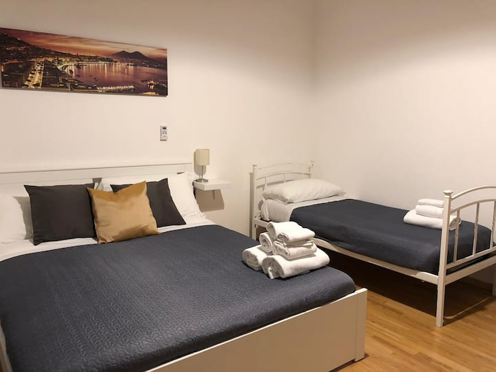 Amazing flat in Naples, wifi free & self check in