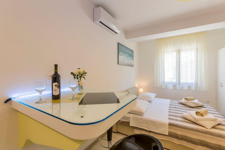 Apartment Studio Ivan