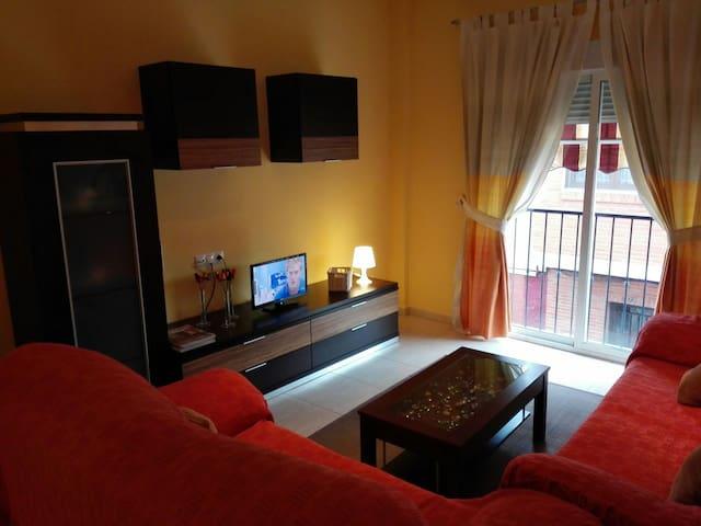 Apartamento actual, moderno, comodo - La Ñora - Appartement