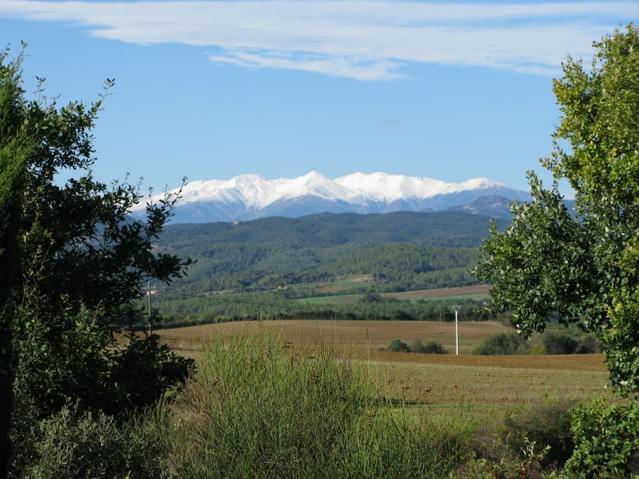 "you can see the peak of ""El Canigo"", in the Pyrennees"