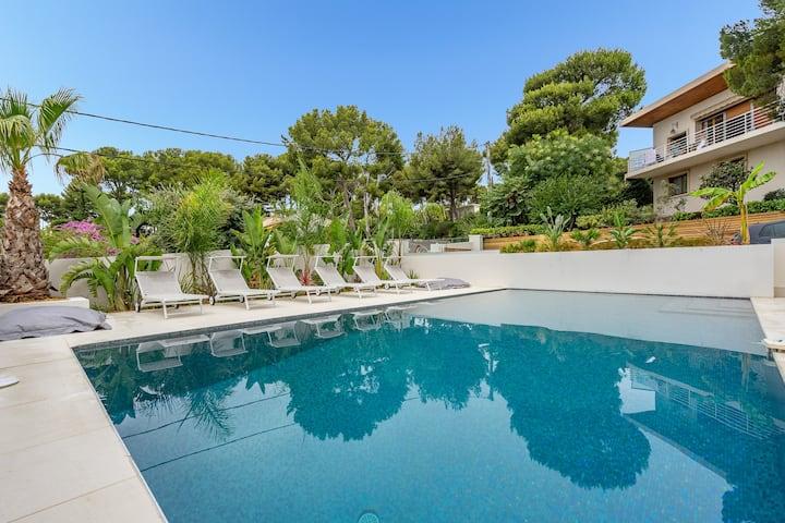 Magnifique t2 avec piscine et jardin, port à pieds