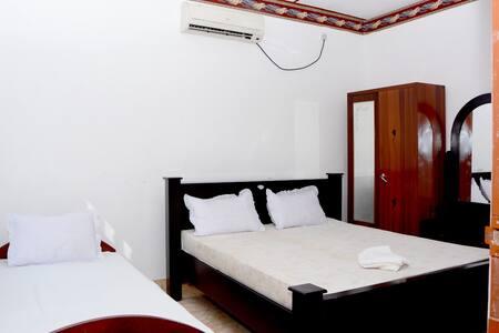 New AT Hotel - Jaffna - Гестхаус