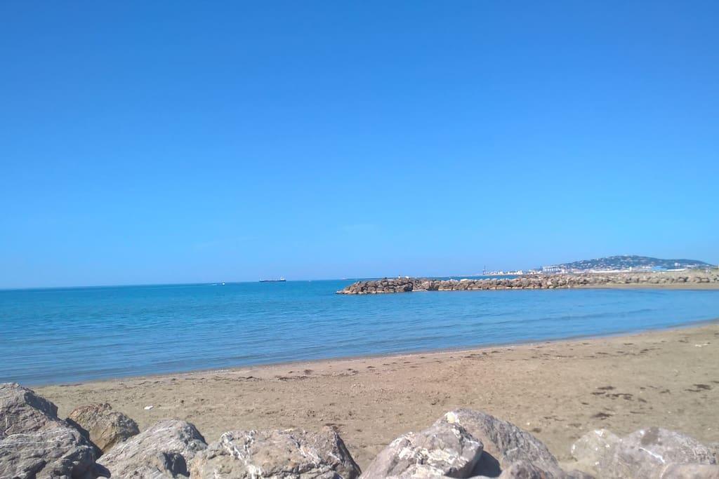 les immenses plages à 10mn de pistes cyclables ou 5mn de voiture