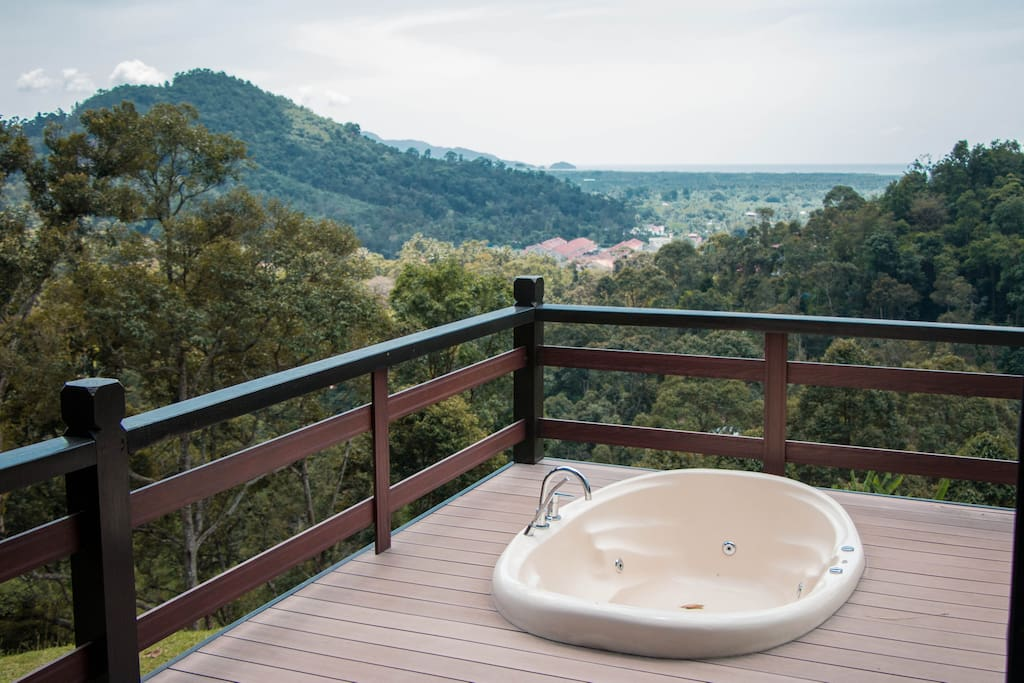Guests will be able to enjoy viewing the sunset overlooking the Straits of Malacca in the outdoor Jacuzzi.