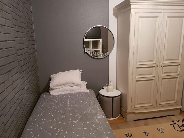 Chambre meublee chez l habitant  pour 1 personne