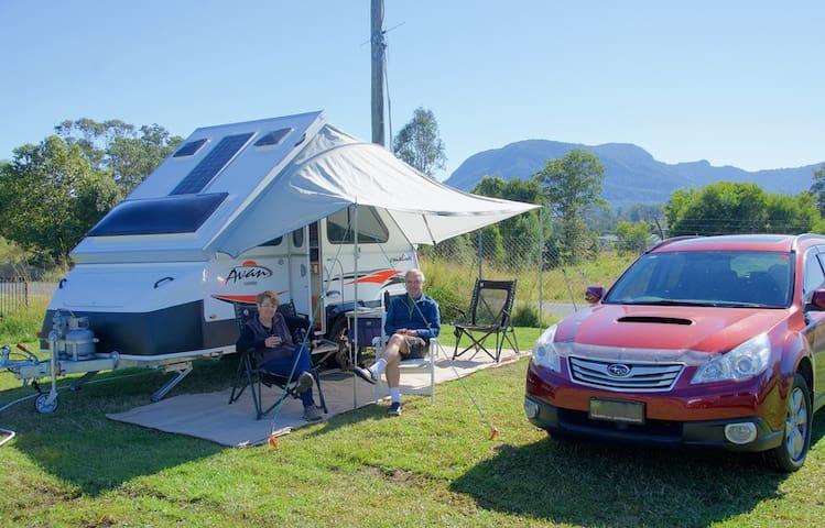 Camping Cañón Do Sil | Parcela para Caravanas y Furgonetas