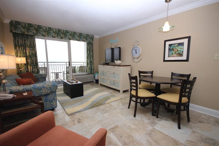 Oceanfront King Bed Suite!