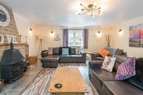 Penrhiw/ Hilltop Cottage