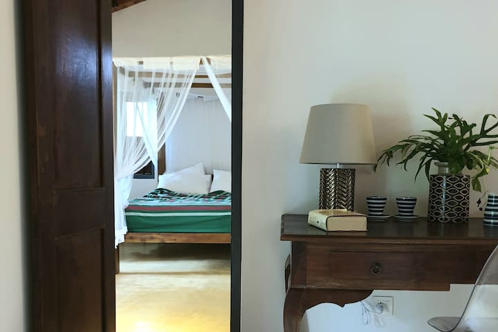 Parents with children can have the best of both worlds in our adjoining rooms that make up the family suite, each with its own en-suite bathrooms.