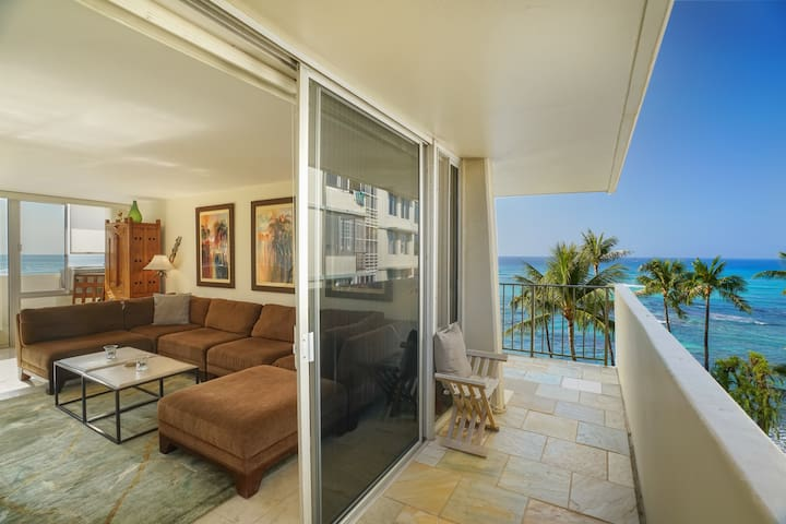 The Views, The Space - Gorgeous Oceanfront Condo!
