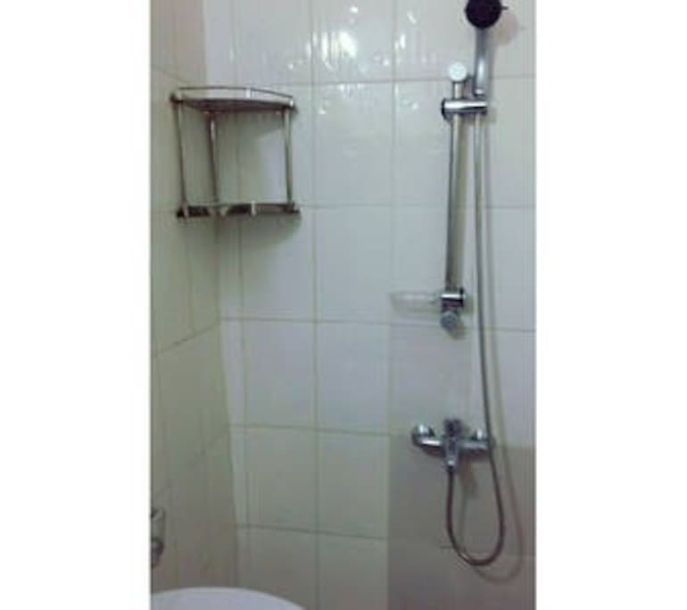 SDB avec toilette