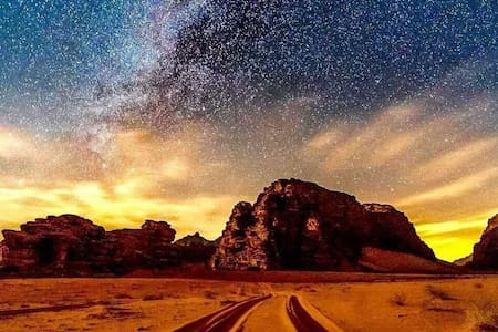 WADI RUM BEDOUIN STARS CAMP & TOURS (COUPLE ROOM2)