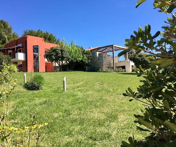 Villa Artemis - Legrena - Casa