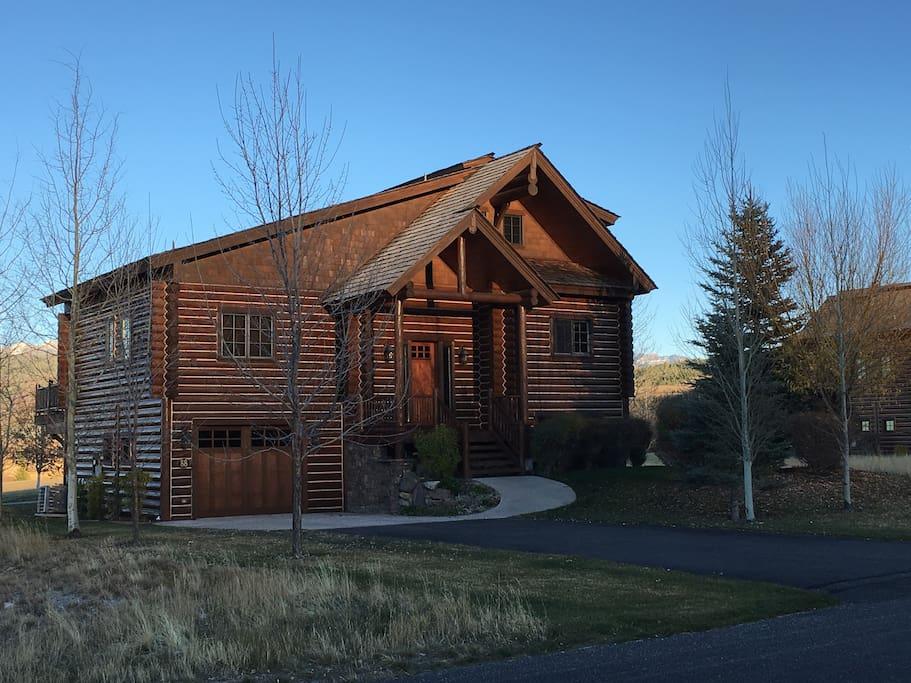 Huckleberry cabin at teton springs resort cabins for for Teton cabin rentals