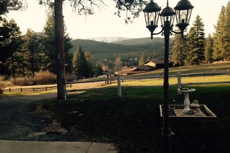 Mountain Views, Forest Setting. Close to Helena - Clancy - Maison