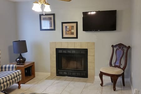 Luxury Clean Contact-Free Private Condo 1st Floor