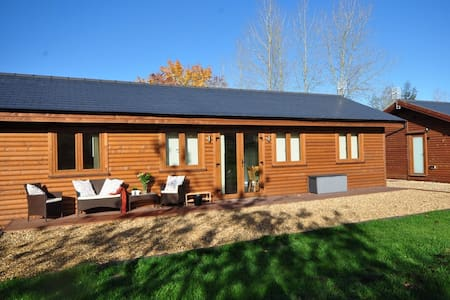 Luxury Log Cabins in the heart of the Midlands