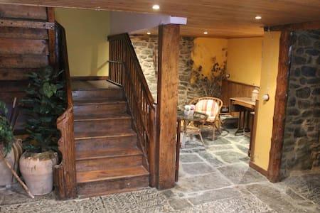 Apartamento completo para 2-3 personas en Aragües