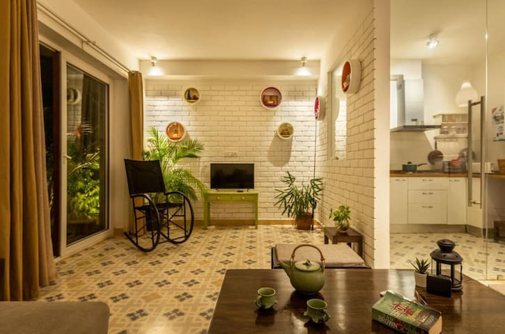 Cosy 1 bhk - Private Garden - near Candolim beach