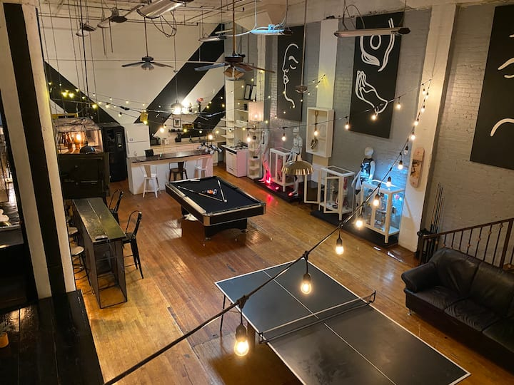 *HUGE & Beautiful Loft* Los Angeles :)