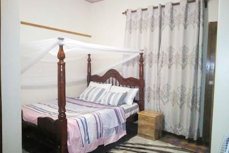 Homely room (accommodation)