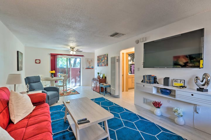 NEW! Colorful Bungalow in the Heart of Santa Fe!