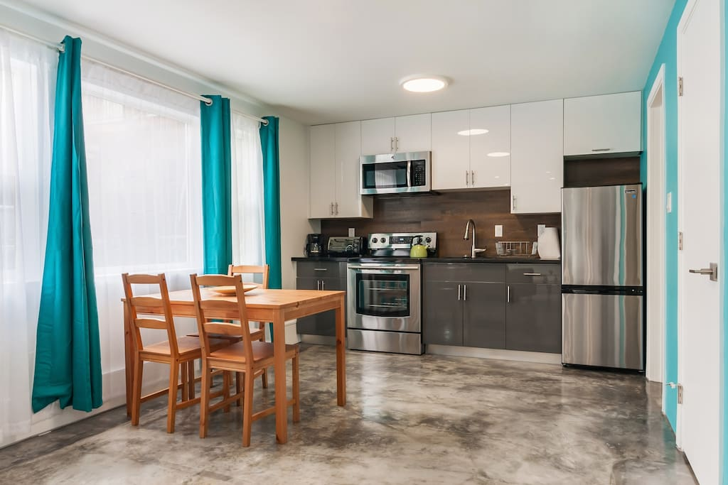 Hip 2 Bedroom Home In Temescal Close To Bart Apartments