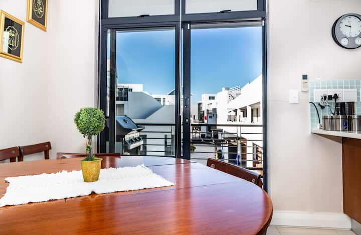 Comfortable 2 bed apartment 192 Eden on the Bay
