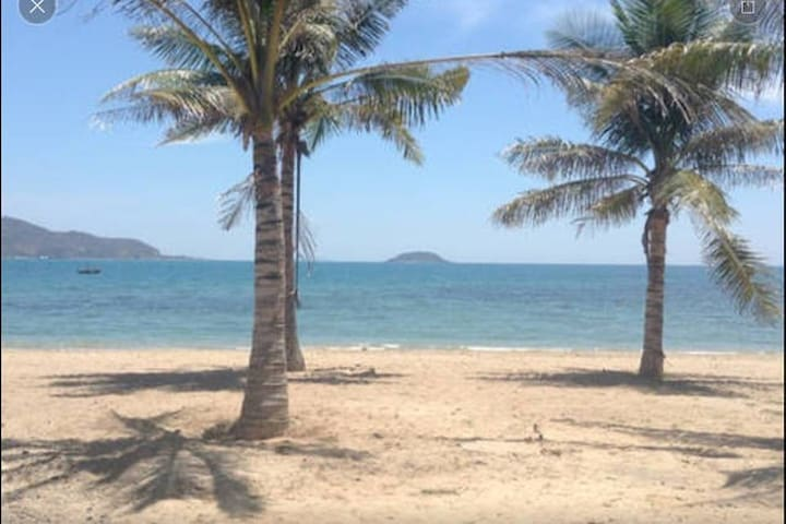 Friendly and cozy, oceanside hostel in Nha Trang - tp. Nha Trang - House