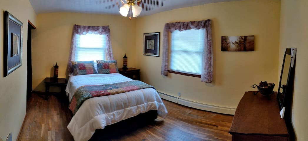 #2》1 Private Bedroom less than 5 miles from ND