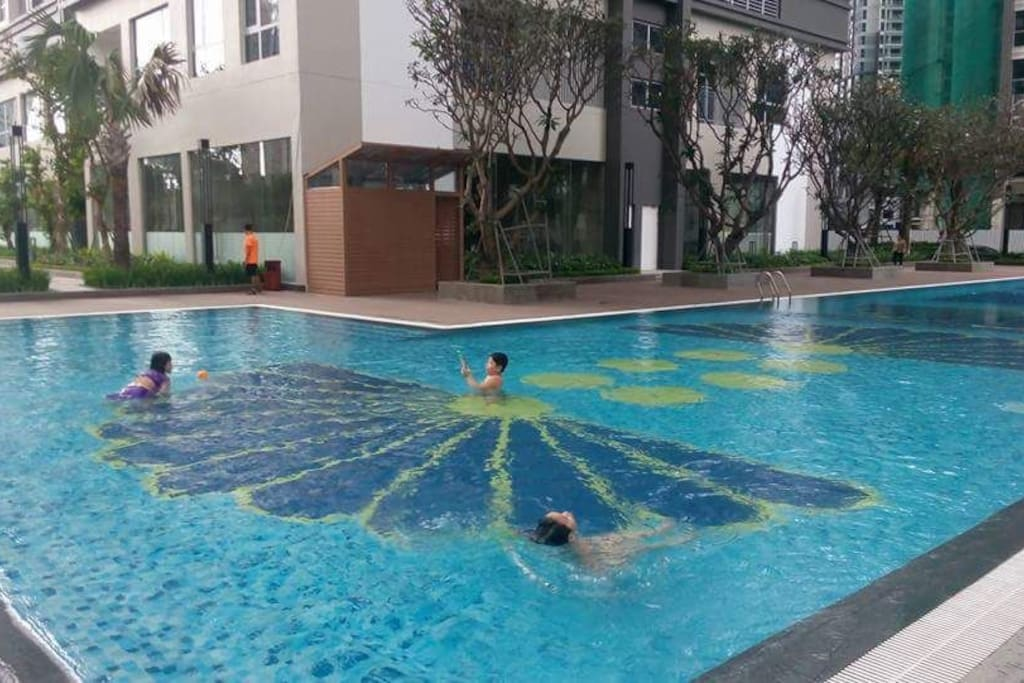 swimming pool for free