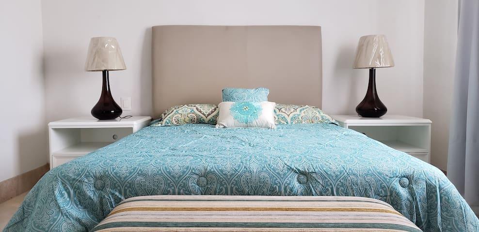 Linda Habitación en Moderno Condominio