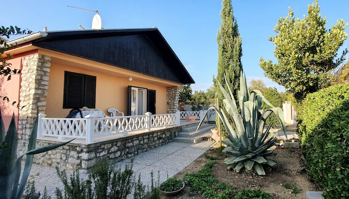 Mediterranean House 50m from the Sea, 4+1, 70m2