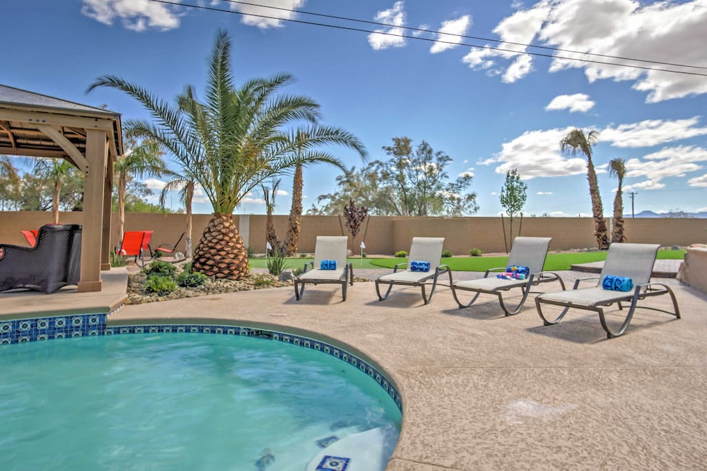 Your ultimate Las Vegas vacation awaits you at this 4-bedroom, 2.5-bathroom vacation rental house.