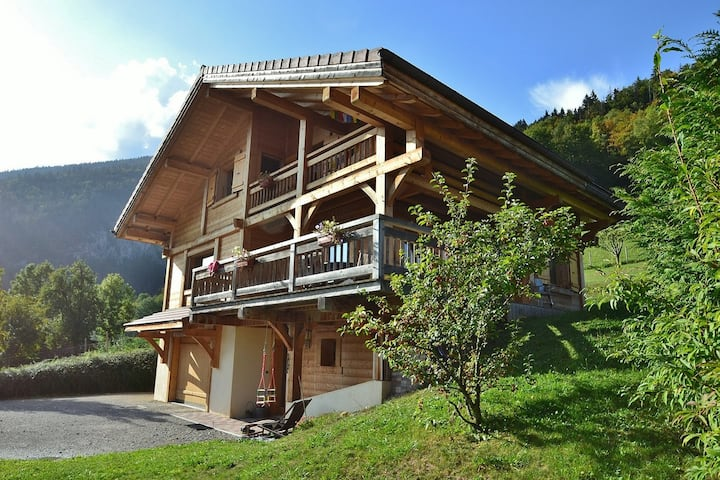 Stunning standalone 3 bed chalet with terace for 7-9 near resorts!
