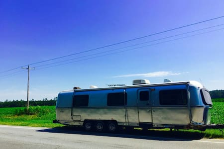 Vintage 34' Airstream (Avion) RV!! - Green Cove Springs