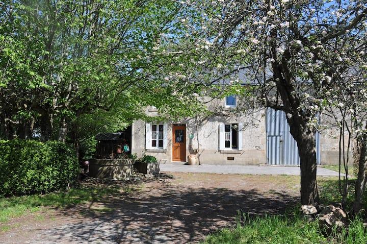 LA CHARMILLE, Typical restored farmhouse in Creuse
