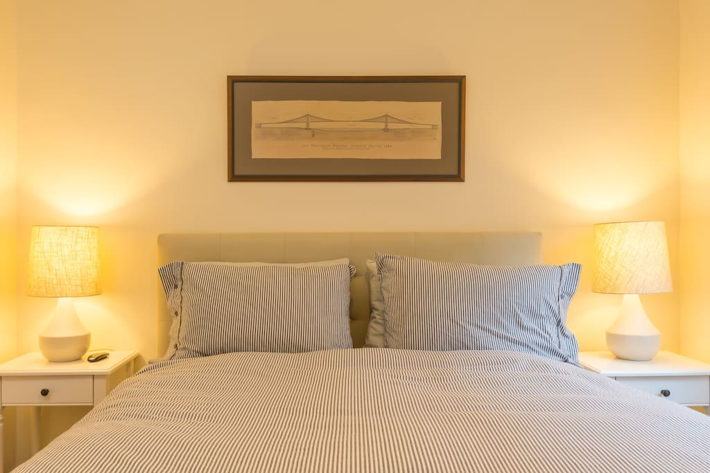 Bedroom with comfy Queen size memory foam bed