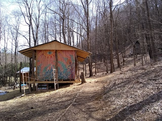 Forest Glamping Bunkhouse
