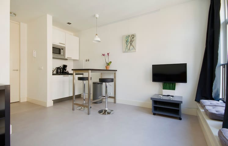 Cosy & Bright & GREAT APT in Jordaan!!!