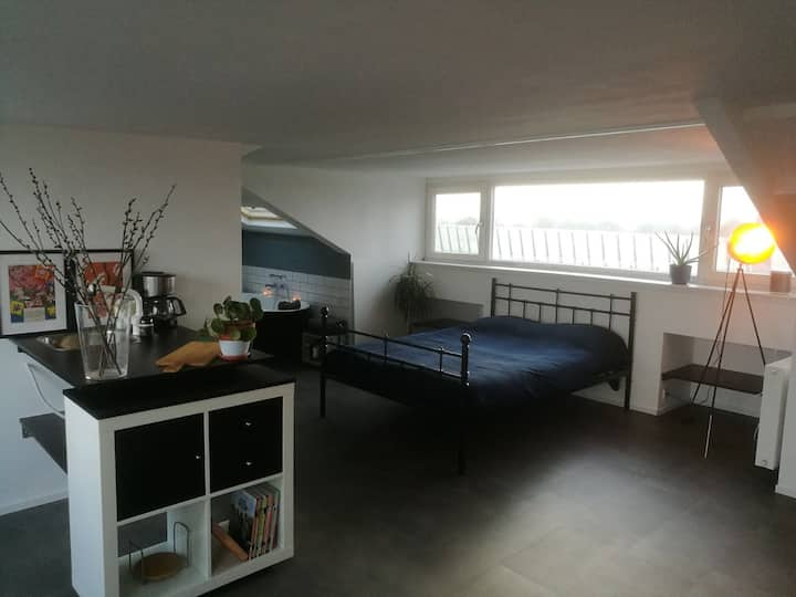 Light, private loft with nice view near Amsterdam
