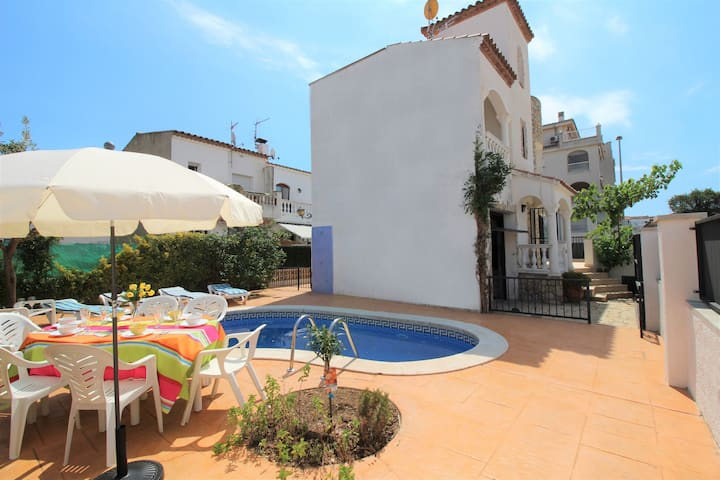 0191-SANT MAURICI House with private pool
