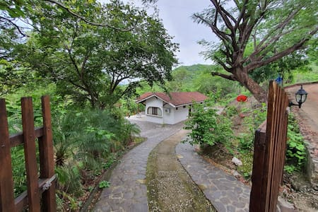 Magnifica villa amplia y comoda a 200 mts de playa