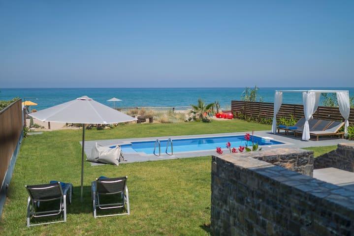 Villa al Mare. Private Beach sunbeds and umbrellas