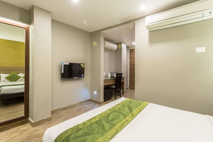 Modern Boutique Rooms Stay near Temple/Junction