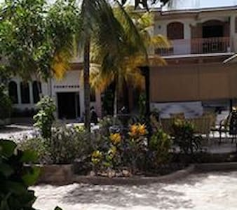 L'Eternel Est Mon Secours Hotel Gonaives, Haiti - Les Gonaïves