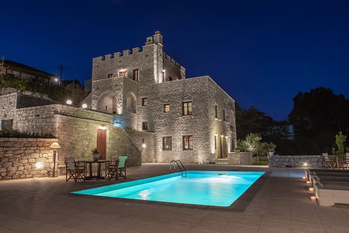 cassiopeia's castle  Πετρόχτιστη βιλα