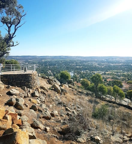 Views of the Mt Brown Lookout