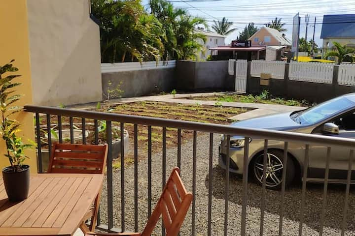 Apartment with one bedroom in Saint Pierre, with wonderful mountain view, enclosed garden and WiFi - 3 km from the beach