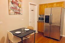 B5- Next to Downtown Chicago - Private Room